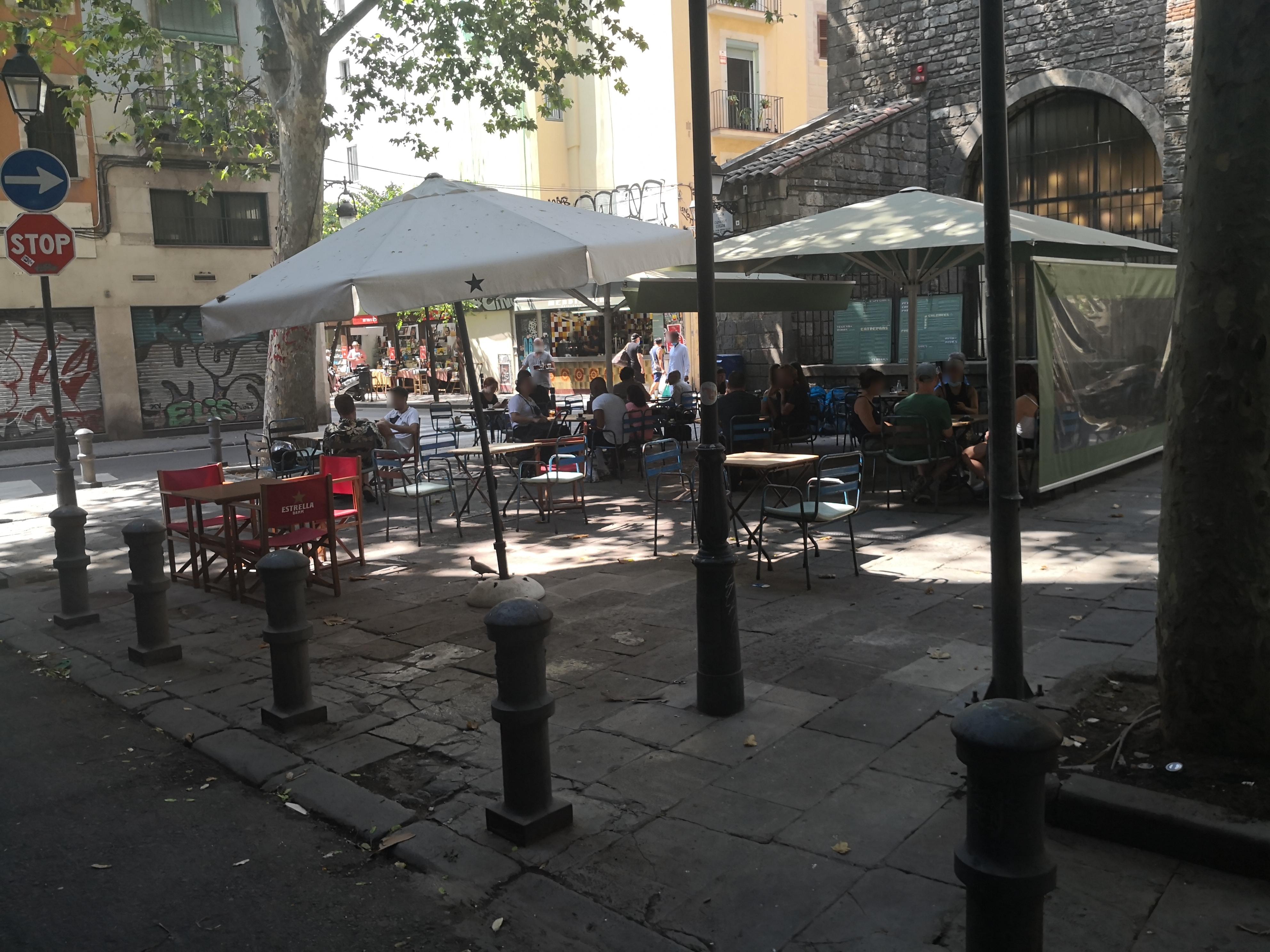 Plaça del Canonge Colom, 1 - okupant la plaça