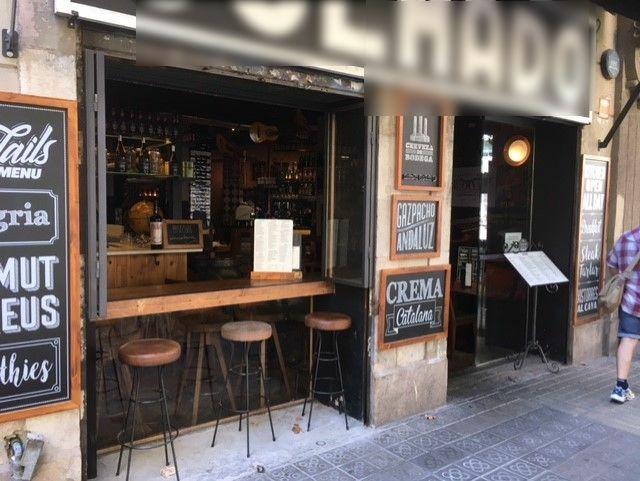 Provença 236 - el carrer ja és la barra (quina barra)
