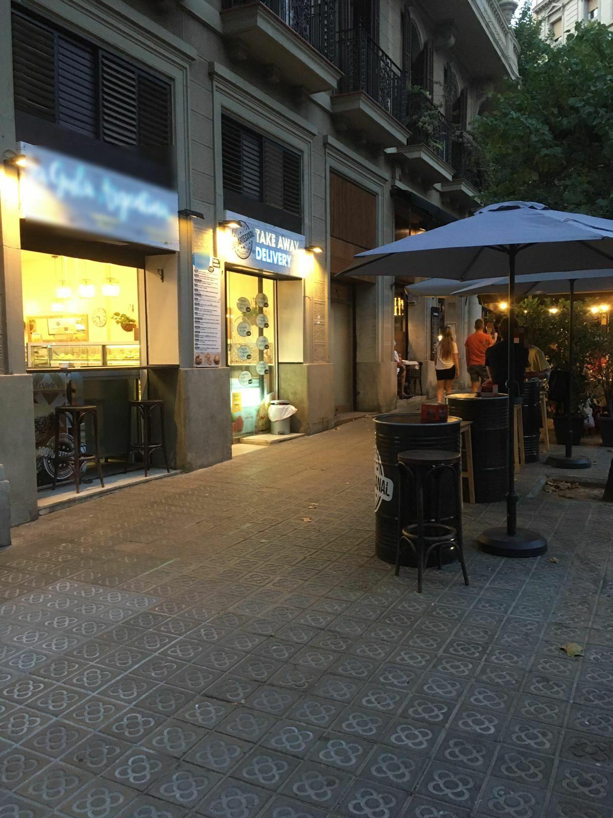 Mallorca, 211 - el bidons per tot arreu