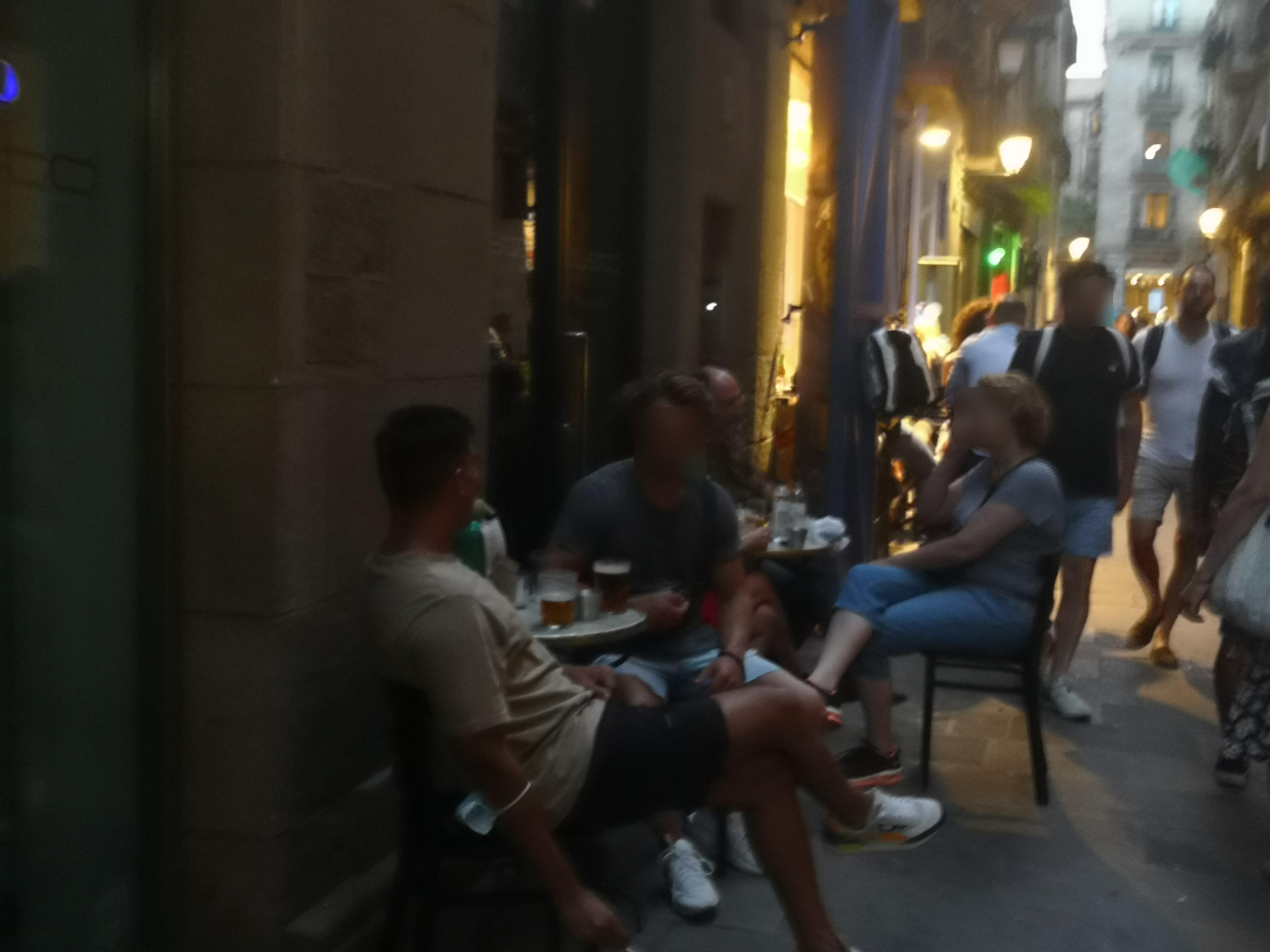 Vidrieria, 15 - nosaltres també, okupem façana a totes dues bandes del carrer!!