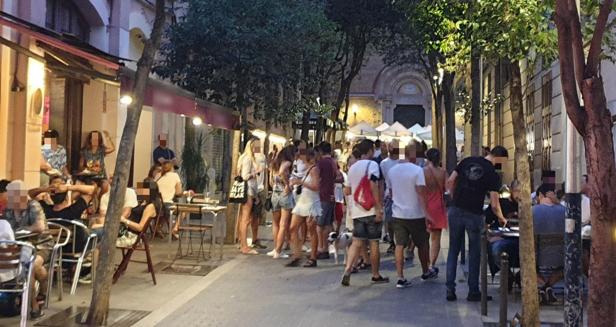 Torrijos 51 - osti ... tot el petit carrer és seu !!!!!