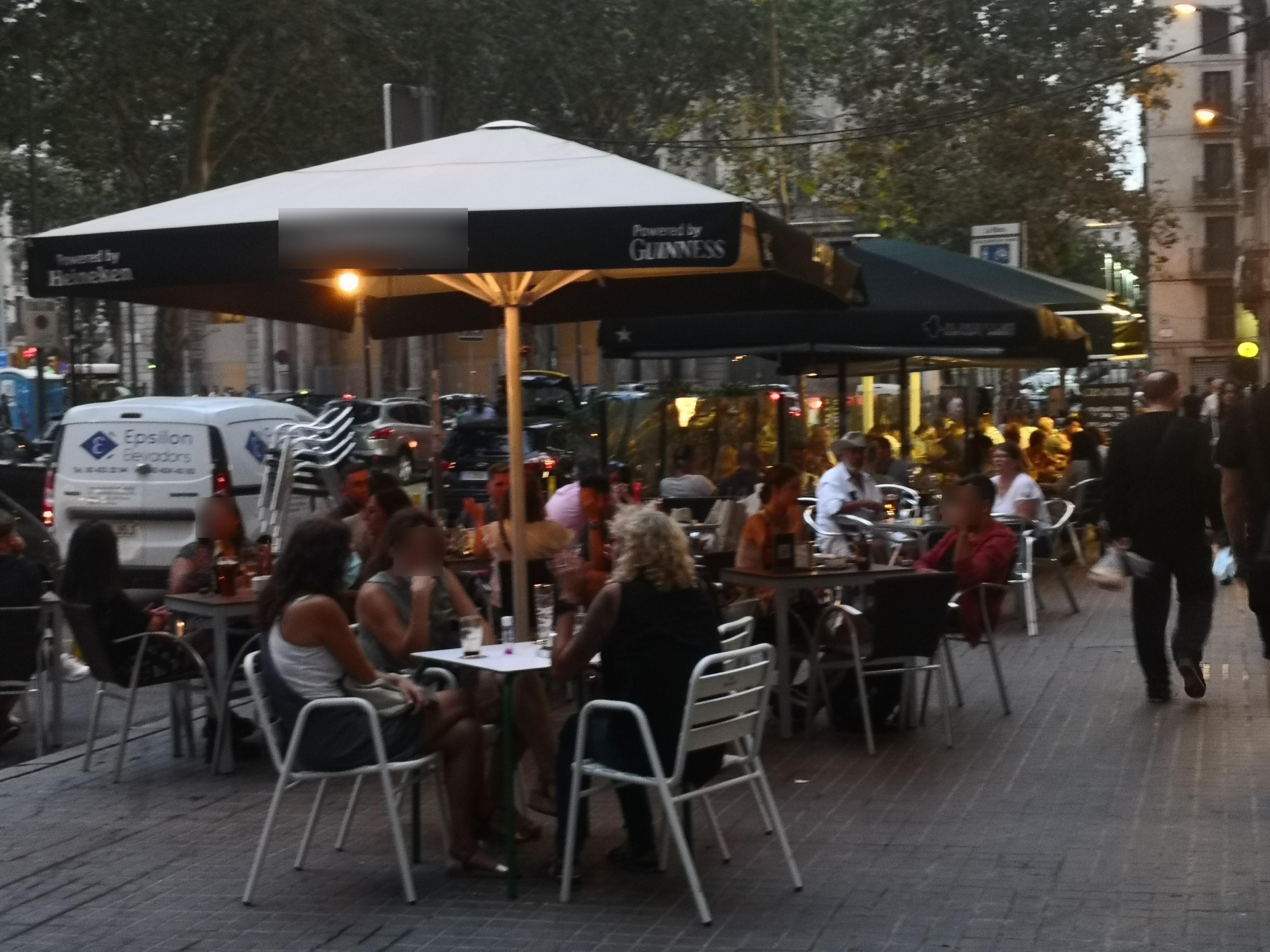 Pla de Palau, 9 - excés de taules, participant del Festival!!