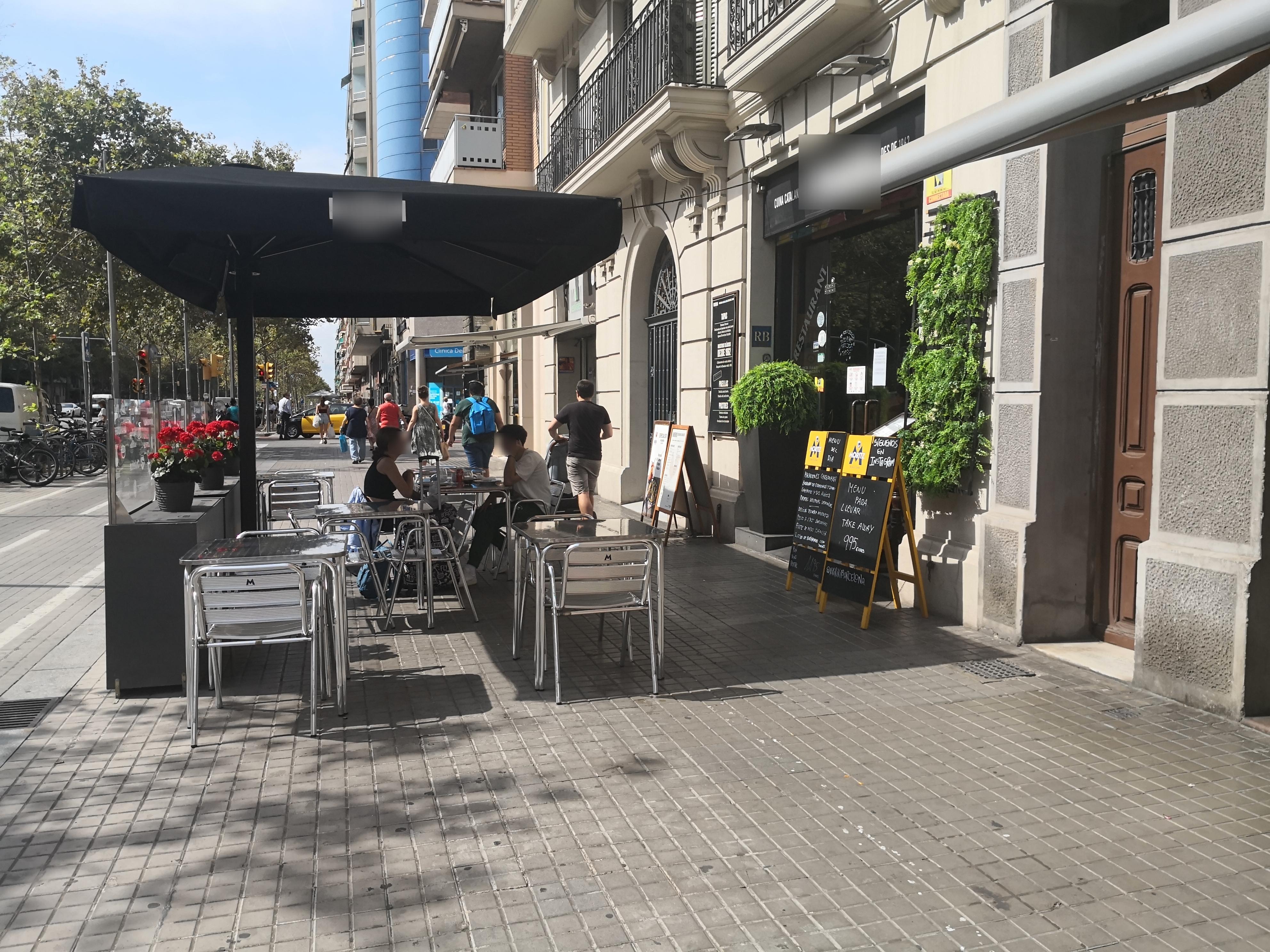 Gran Via de les Corts Catalanes, 335 - la vorera és nostra!!!