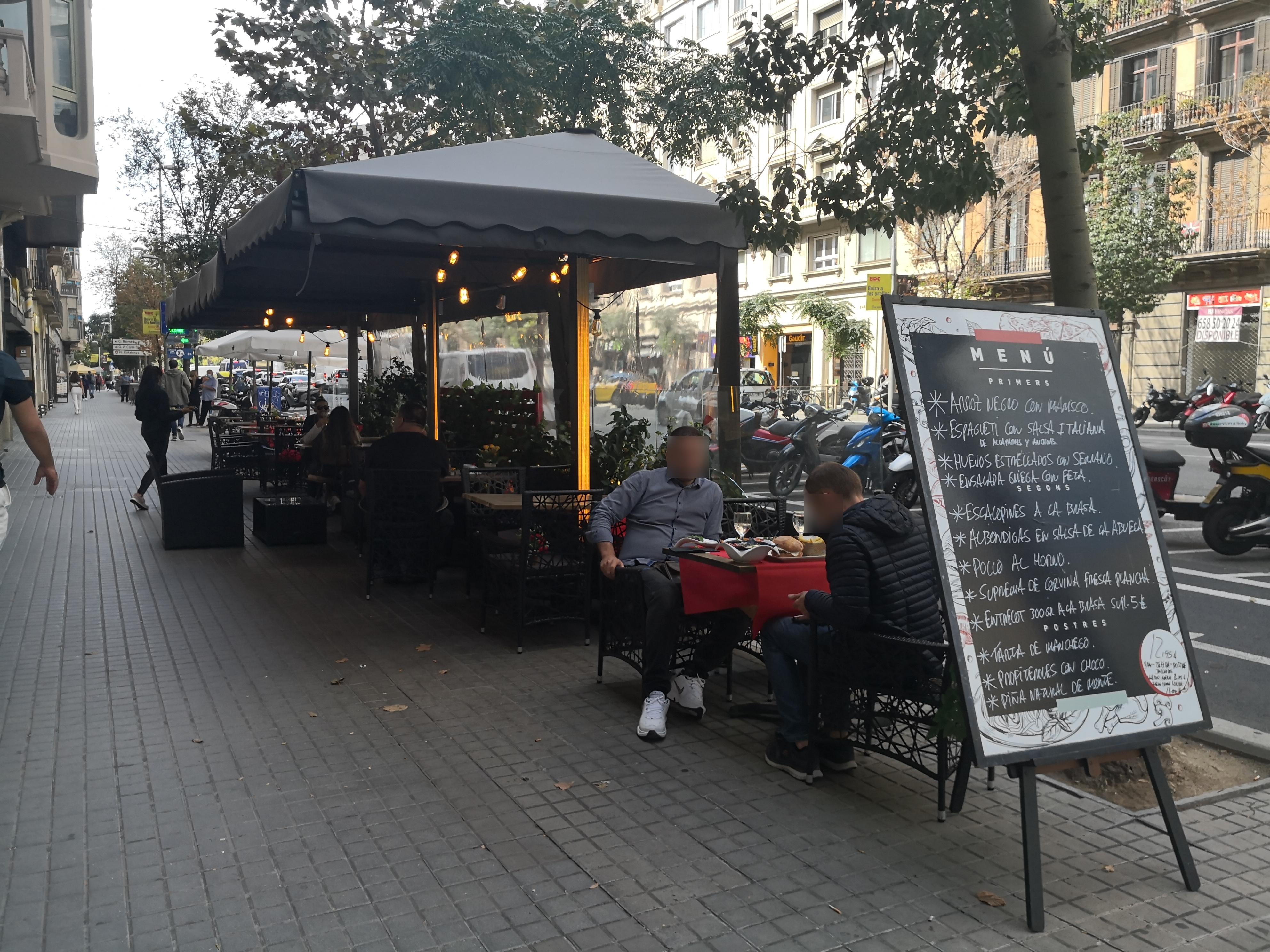 Aragó, 258 - El carrer és el nostre saló-menjador!!!!
